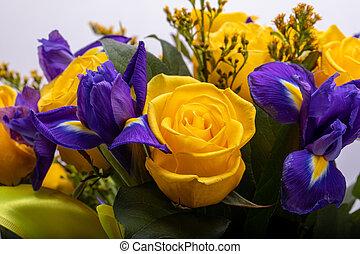 blaues, floristic, rosen, schöne , iris, blumengebinde, ...