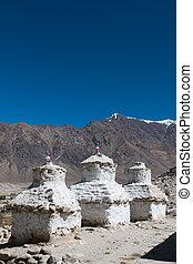 blaues, ibetan, weißer himmel, pagoden