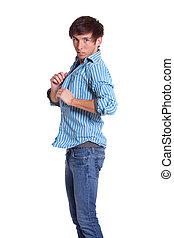 blaues, junger mann