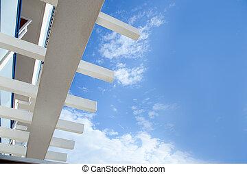blaues, mittelmeer, weißer himmel, balken