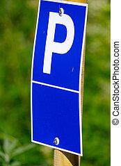 blaues, parkplatzschild, mit, a, groß, p, auf, ihm, und, grüner hintergrund