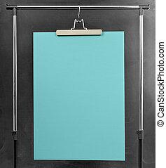 blaues, plakat, hängender , an, a, kleidung, ständer.