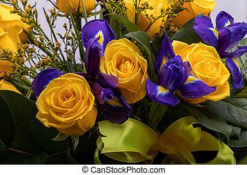 blaues, rosen, gelber , blumengebinde, schöne , floristic, ...