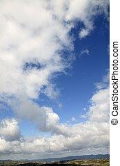 blaues, sonnig, himmelsgewölbe, mit, weiße wolken, in, tageszeit, natur