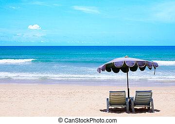 blaues, stühle, himmelsgewölbe, bewölkt , sand, weißer strand