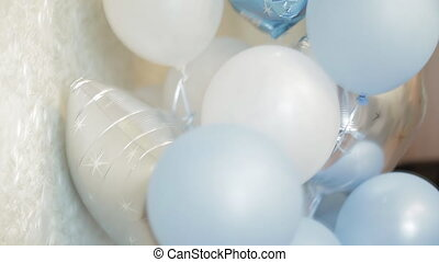 blaues, weißes, luftballone