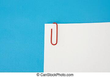 blaues, weißes, papier, hintergrund, klammer