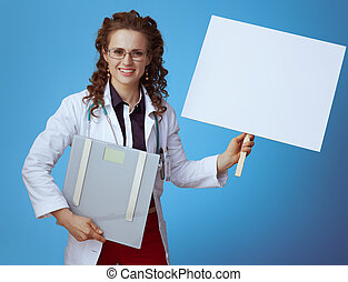 blauwe , arts, vrouw, plakkaat, gewicht, het tonen, schub, leeg
