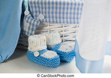 Baby blauw kamer. blauwe meubel kamer vloer houten muren