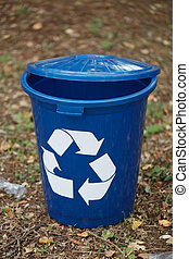 blauwe , bak, recycling., container, restafval, achtergrond., ecologie, concept., recycling, donker, milieu, grond