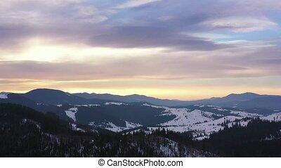 blauwe bergen, wolken, besneeuwd, op, hemel, hoogte,...