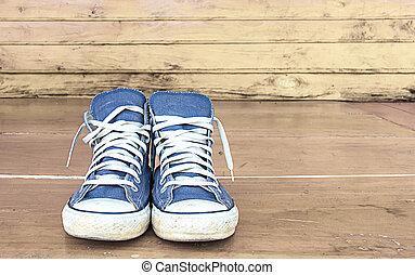 blauwe , gymschoen, op, de, houtenvloer, ouderwetse