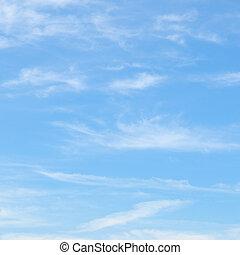 blauwe hemel, pluizig, wolken