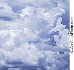 blauwe hemel, wolken