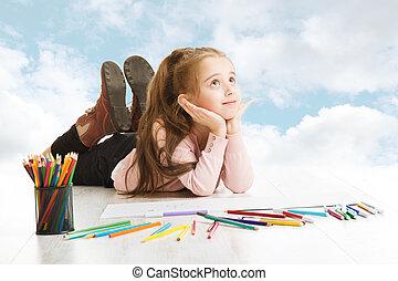 blauwe , het kijken, sky., op, creativiteit, bewolkt, tekening, idea., kind, dromen, het glimlachen, concept., meisje, het liggen, inspiratie