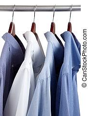 blauwe , houten, hangers, kleed hemden