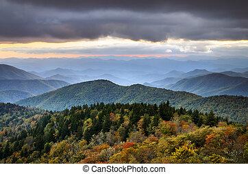 blauwe kam snelweg, herfst, bergen