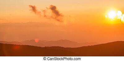blauwe kam snelweg, herfst, ondergaande zon , op, appalachian bergen