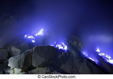 blauwe , kawah, java, ijen, flames., -, zwavel, oosten,...
