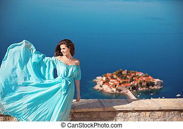 blauwe , mode, hemel, enjoyment., sveti, op, stefan, outdoors., vrouw, brunette, model., blazen, montenegro., meisje, jurkje, het glimlachen