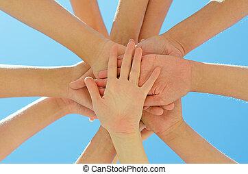 blauwe , sky., velen, op, samen, handen