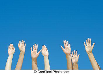 blauwe , verheven, sky., velen, omhoog tegen, handen
