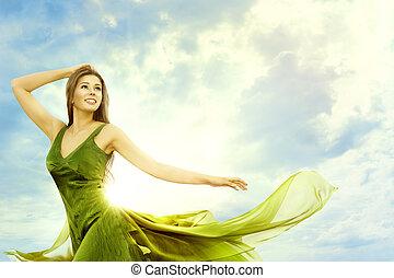 blauwe , vrouw, hemel, beauty, zon, op, buitenshuis, zonnig, jonge, kosteloos, dag, mode, achtergrond, licht, verticaal, meisje, model, vrolijke