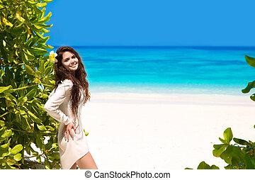 blauwe , vrouw, lifestyle., wellness., beauty, enjoyment., vrijheid, op, natuur, hemel, kosteloos, tropische , het genieten van, strand., outdoor., sea., het glimlachen, concept., meisje, vrolijke