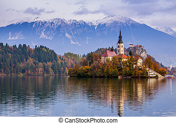 Bled with lake, island, castle and mountains in background, Slovenia, Europe