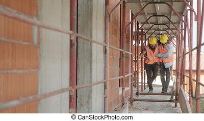 blessé, collègue, ouvrier manuel, site, portion, construction