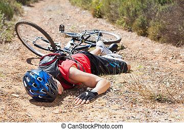 blessé, cycliste, fracas, après, mensonge, terrestre