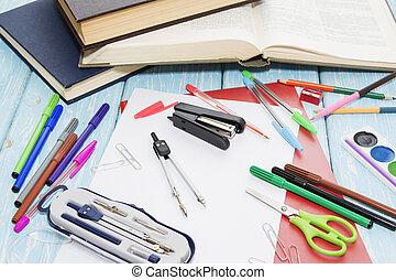 bleu, école, peintures, bois, arrière-plan., crayons, fournitures, marqueurs
