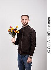 bleu, arrière-plan brun, jean, veste, tenue, fleurs blanches, homme