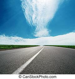 bleu, asphalte, ciel, nuageux, horizon, route
