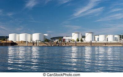 bleu, beau, dépôt, pétrole, stockage, clouds., silos, allemagne, occidental, banques, essence, rivière, ciel