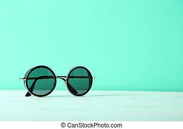 bleu, bois, lunettes soleil, table, noir
