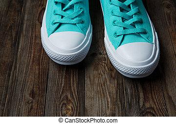 bleu, chaussures, plancher, bois, sur, vide