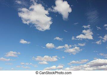 bleu clair, ciel, à, nuages