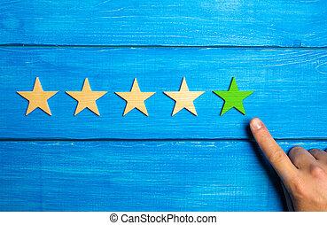 bleu, classement, étoile, service, bois, évaluation, points, evaluation., application., main, hôtel, arrière-plan., stars., critique, cinq, vert, mâle, qualité, ou, cinquième, restaurant