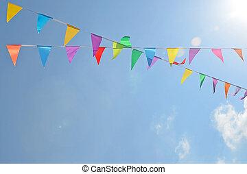 bleu, coloré, cordes, ciel, deux, corde, arrière-plan., drapeaux, pendre, intersection