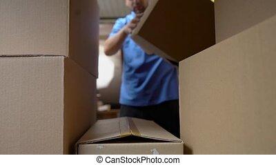 bleu, coup, courrier, voiture, intérieur, uniforme, boîtes, voiture., chargements