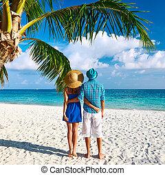 bleu, couple, maldives, plage, vêtements
