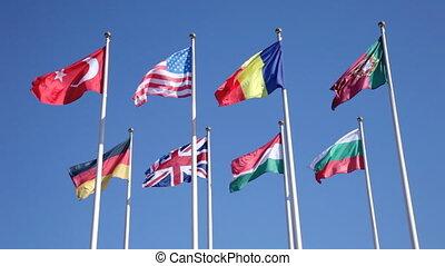 bleu, différent, pays, ciel, contre, drapeaux