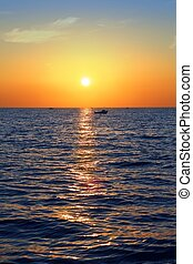bleu, doré, levers de soleil, marine, mer, océan, ciel rouge