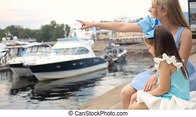 bleu, fille, grand, trois, années, mère, arc, robe