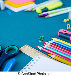 bleu, fournitures, école, fond