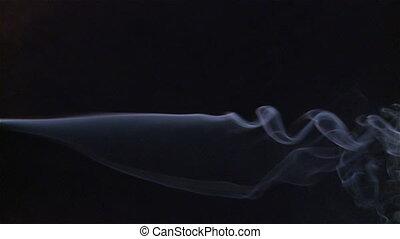 bleu, fumée, résumé