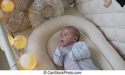 bleu, garçon, berceau bébé, nouveau né, sliders, endormi, two-month, bedroom., automne, cot., maison, essayer, mensonge