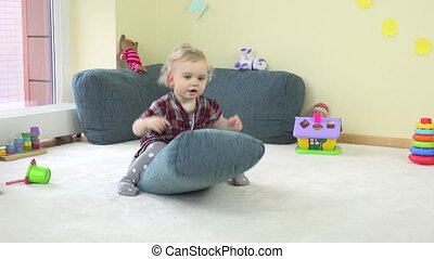 bleu, jouer salle, toy., peu, 4k, enfant, girl, oreiller, heureux