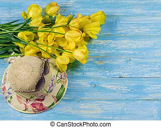 bleu, lunettes soleil, bois, chapeau, fleurs, table.